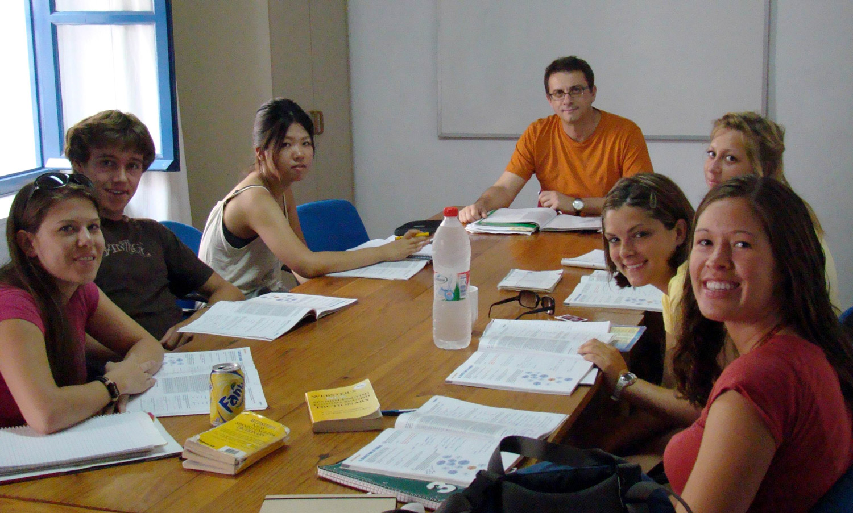 Картинки по запросу Escuela de Idiomas Nerja